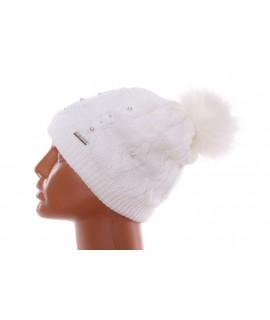 Dámska zateplená čiapka s korálkami - biela