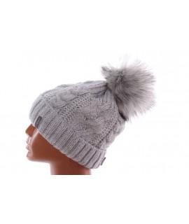 Dámska zateplená čiapka s osmičkami - bledosivá
