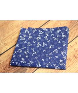 Dámska šatka bavlnená s kvietkami (67x67 cm) - modrá