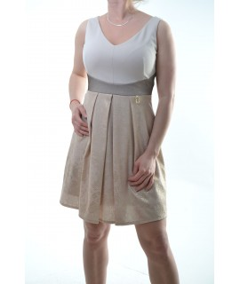 465c547935a3 Dámske šaty - béžové so zlatým vzorom D3