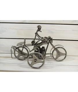 Kovový stojan na fľašu MOTORKA (31x19,5 cm)
