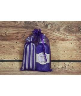 Levanduľové vrecúško a sprchový gél v darčekovom balení