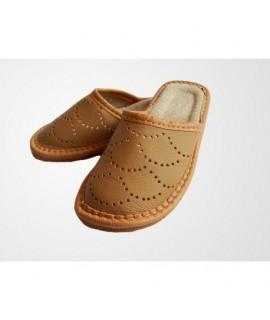 Chlapčenské kožené papuče - svetlo hnedé 41