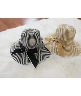 Dámsky pruhovaný klobúk